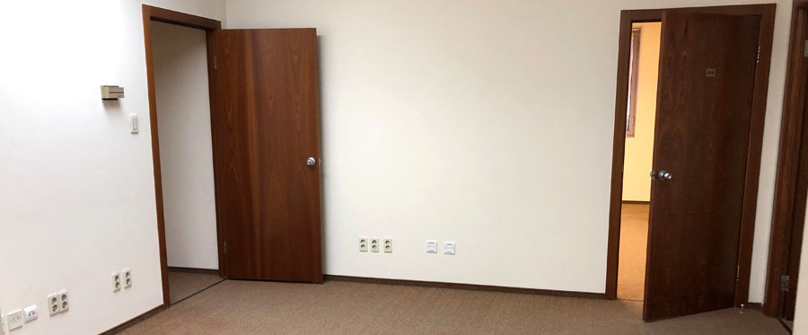 Rent office in the business center with an area of 111 sq m