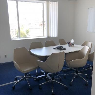 Оренда приміщень в бізнес центрі на 7 поверсі площею 132 кв м